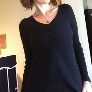DKNY V Neck sweater
